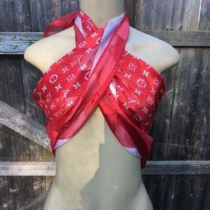 Large logo scarf